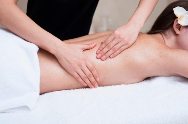 Give the Gift of Relaxation Massage This Holiday Season